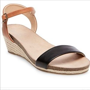 NWT Eve Footbed Wedge Ankle Strap Sandals